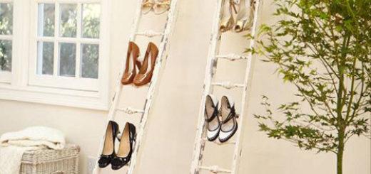 Kệ để giày dép bằng chiếc thang cũ