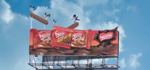 Poster quảng cáo ngoài trời bằng bạt hiflet