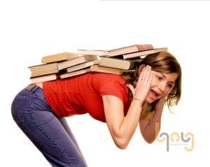 Mang vác vật nặng đúng cách phòng bệnh đau lưng