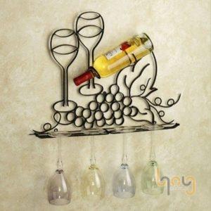 Giá kệ sắt treo tường để rượu và ly uống