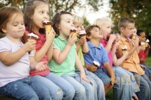 Kem là món ăn yêu thích của trẻ nhỏ