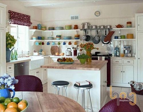 Gian bếp hiện đại với đầy đủ ánh sáng