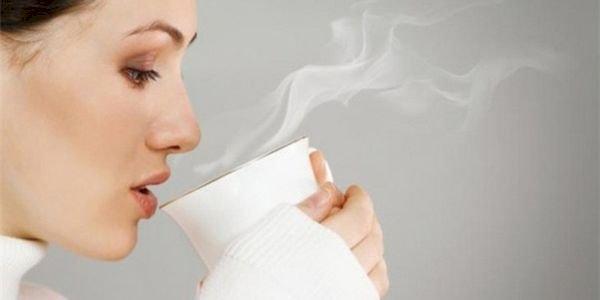 Uống nước ấm thay cho nước lạnh